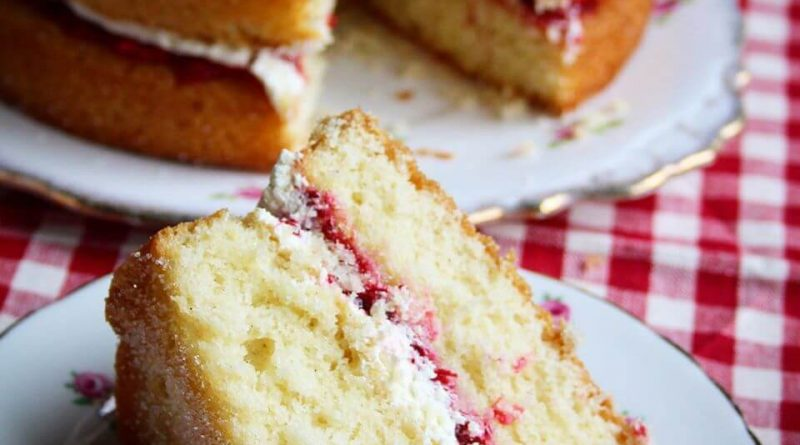 Victoria Sponge nut free version