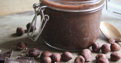 sugar free homemade nutella in a jar