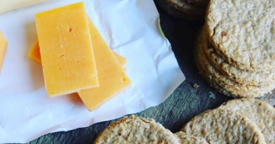 Mackinley's Scottish Oatcakes Cheese