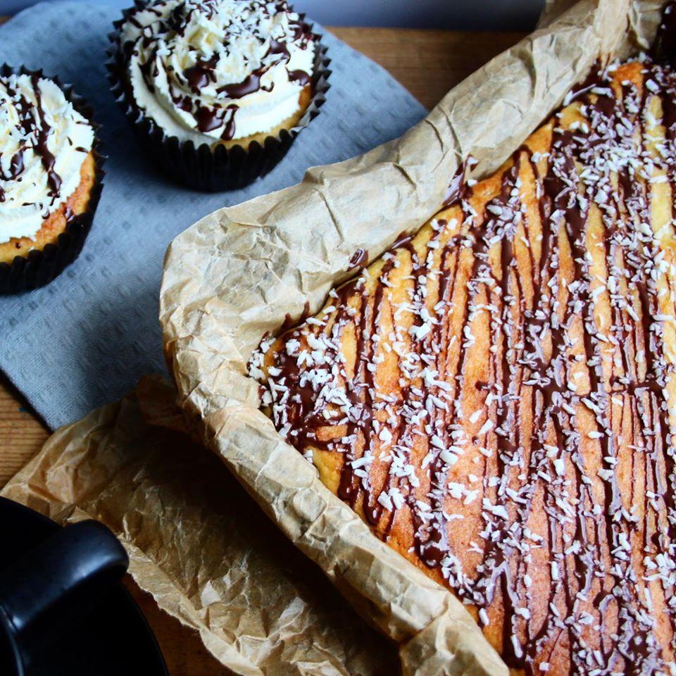 Coconut Bounty Cake