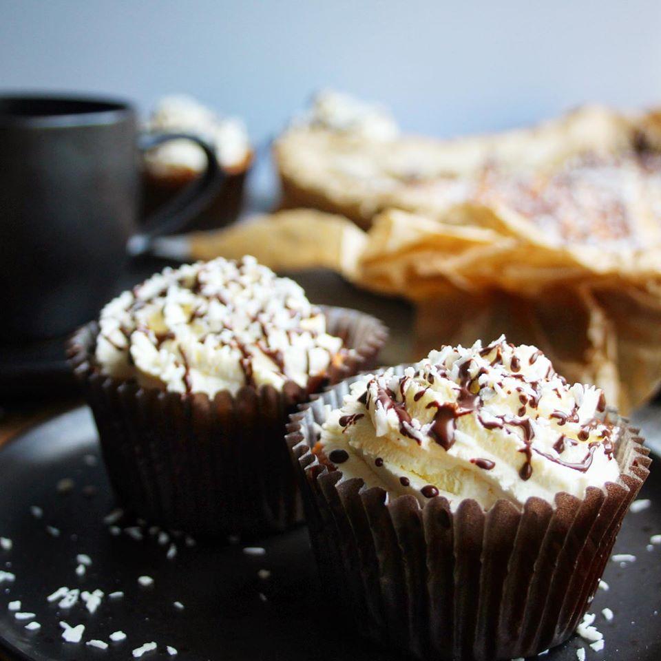 Coconut Bounty Cake Cupcakes