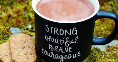 vegan dairy-free hot chocolate with Nairn's biscuit breaks