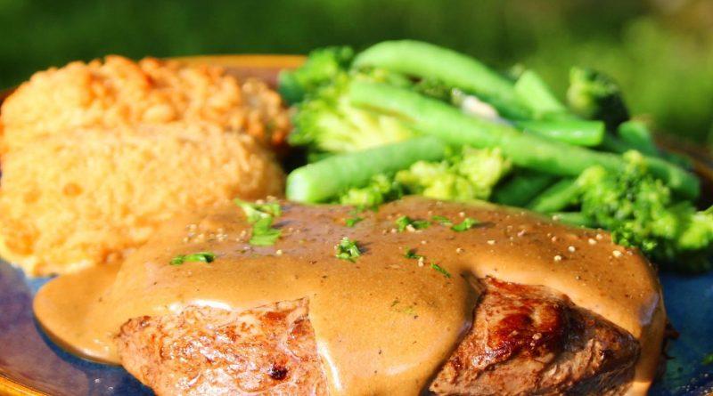 Steak in Peppercorn Sauce